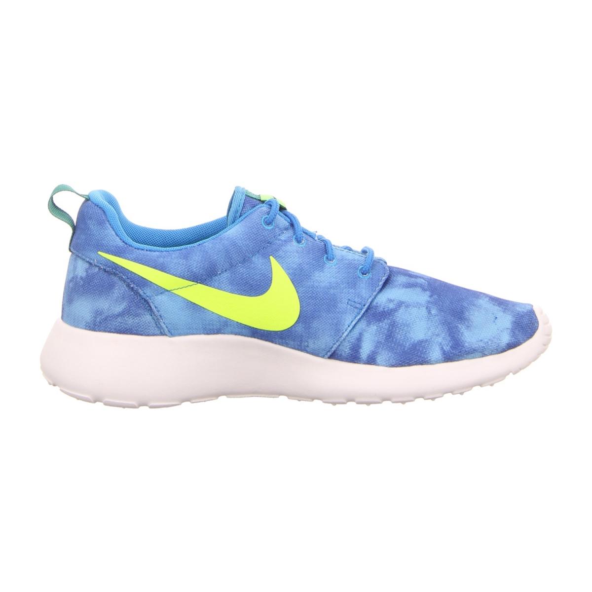 Nike rosherun print sneaker blau schuhfachmann for Schuhschrank nike